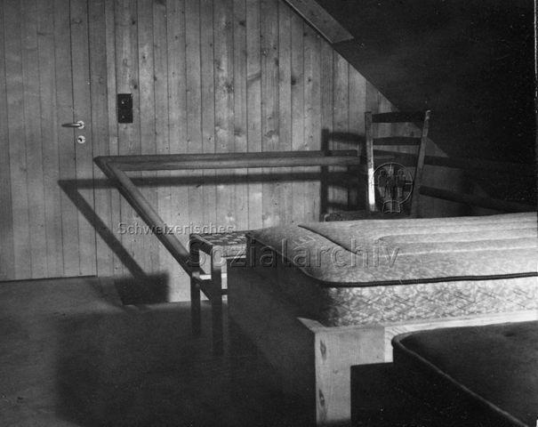 Bosco della Bella, Ferienhaus für kinderreiche Familien - Innenansichten eines Ferienhauses, Schlafraum; um 1970