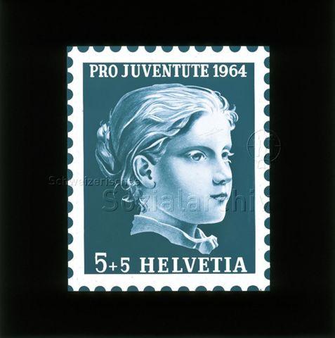 """Diaserie von Kinodias, """"alten Dias"""" und Karten der Pro Juventute; """"Pro Juventute 1964 Helvetia 5 +5""""; Briefmarke mit Poträt eines Mädchens; 1964"""