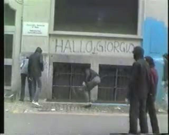 Italo Konsulat Action